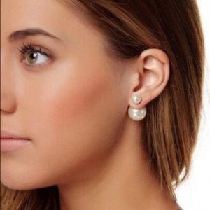 Jewelry - Beautiful Reversible Double pearl earrings.